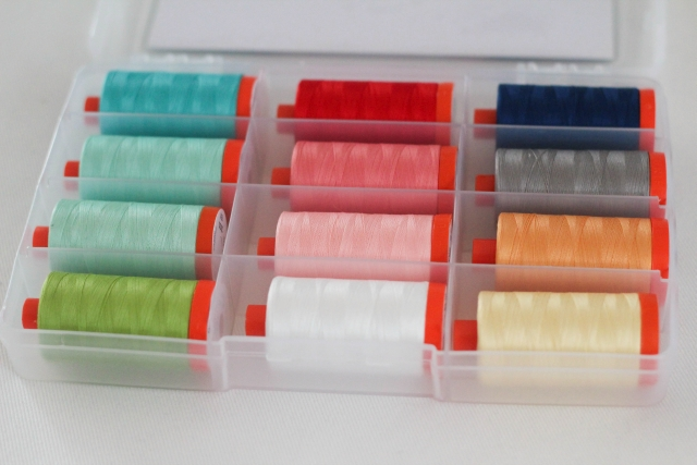 Garn-Set Aurifil_Simplify_open
