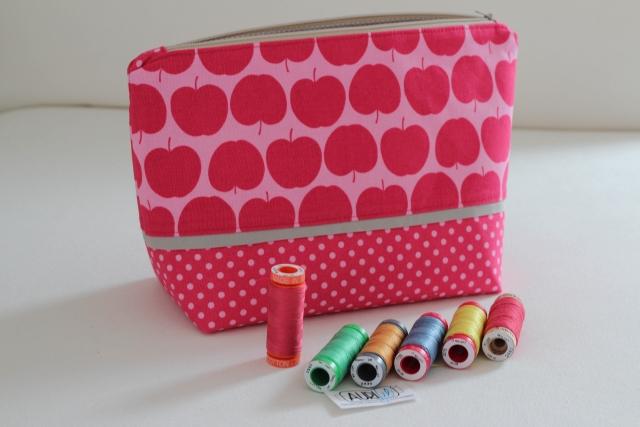 Tasche pink mit Garnrollen
